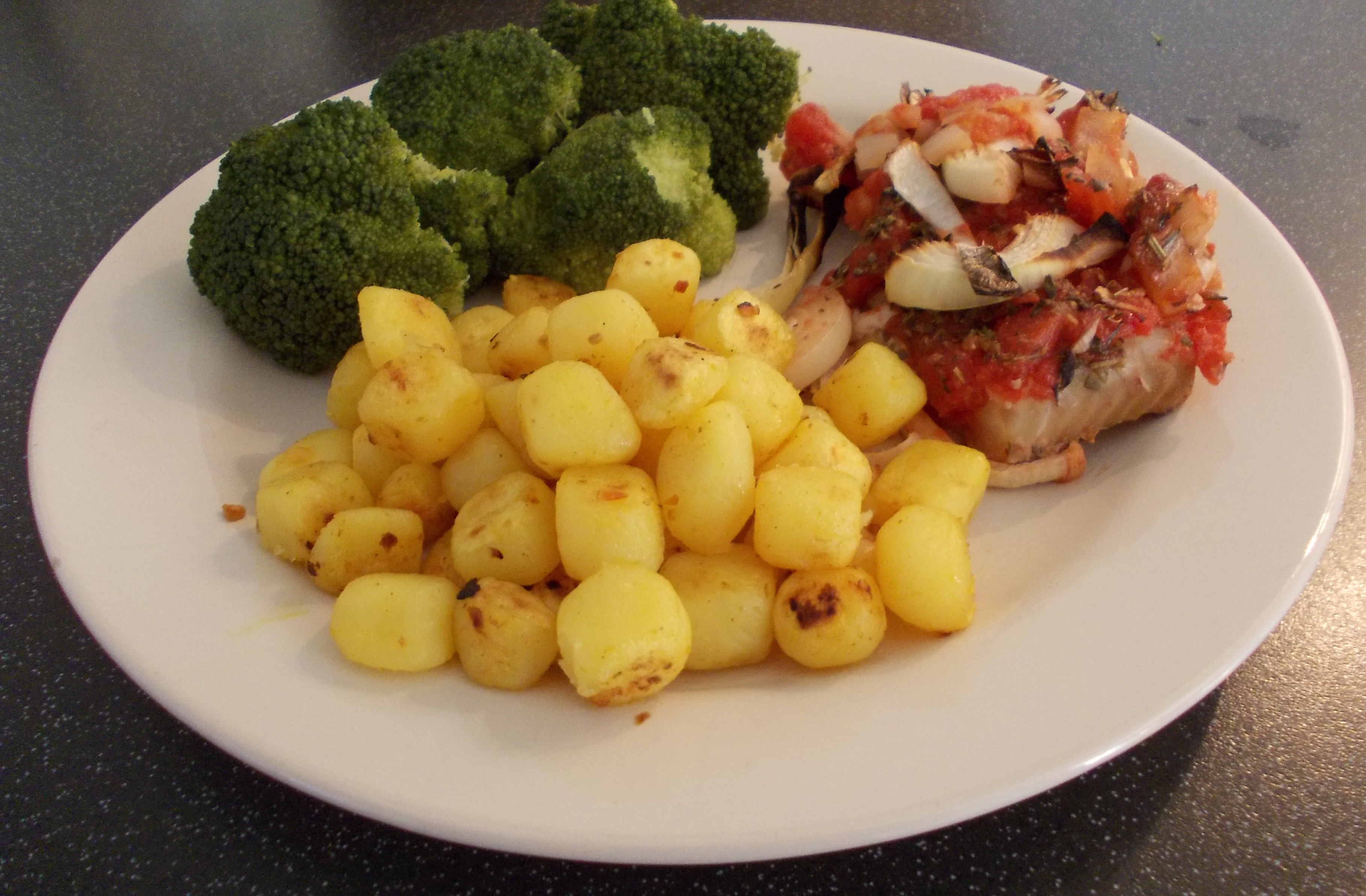 sandraas vis met tomaat